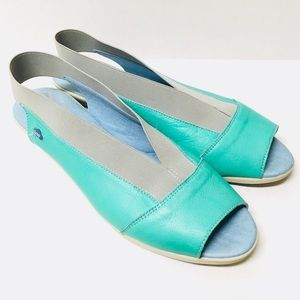 EUC Cloud Caliber peep toe leather flats 9.5 10